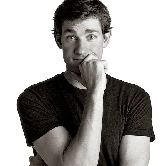 One of my Hollywood Boyfriends - John Krasinski.  He's pretty.  And tall. :)