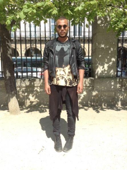 NOIR KENNEDY Top, t-shirt, débardeur -  KILOSHOP Veste - H&M Jean - DR MARTENS (DOC MARTENS) Chaussures divers #men #mode #look #streetstyle  http://moodlook.com/look/2014-04-10-france-paris-9