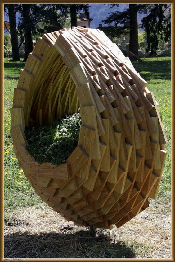 massive Holzmöbel blumentopf pflanzbehälter Paletten