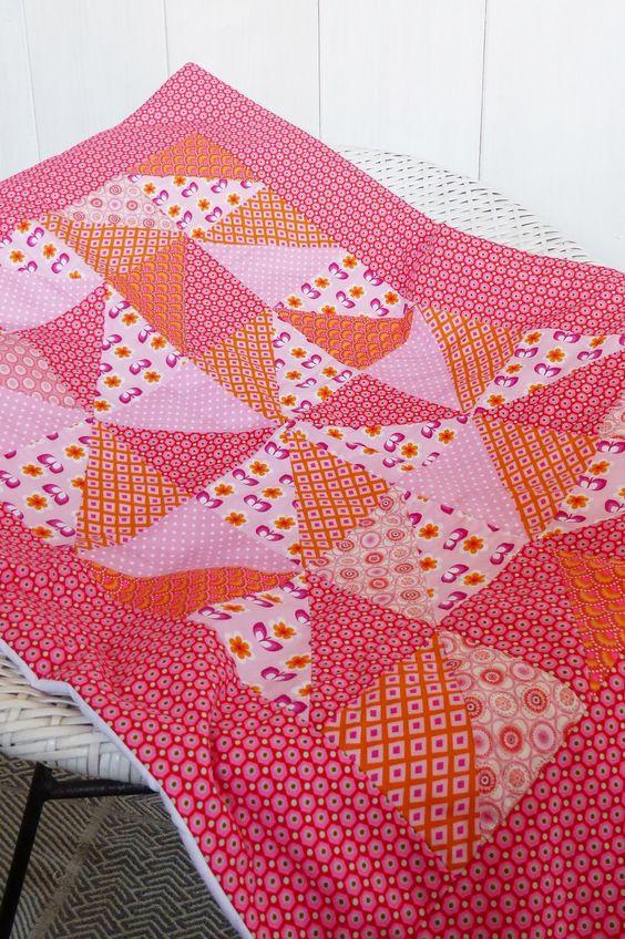 plaid boh me couverture couvre lit berceau b b petite fille en patchwork tissus roses et orange. Black Bedroom Furniture Sets. Home Design Ideas