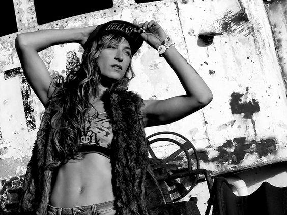 PH+: Migue / Estilista & Make Up: Mery Herrera Diaz / Clothes: OSX & Guapas / Location: Outfit & Margarita Pub. Puerto Madryn, Chubut, Argentina.