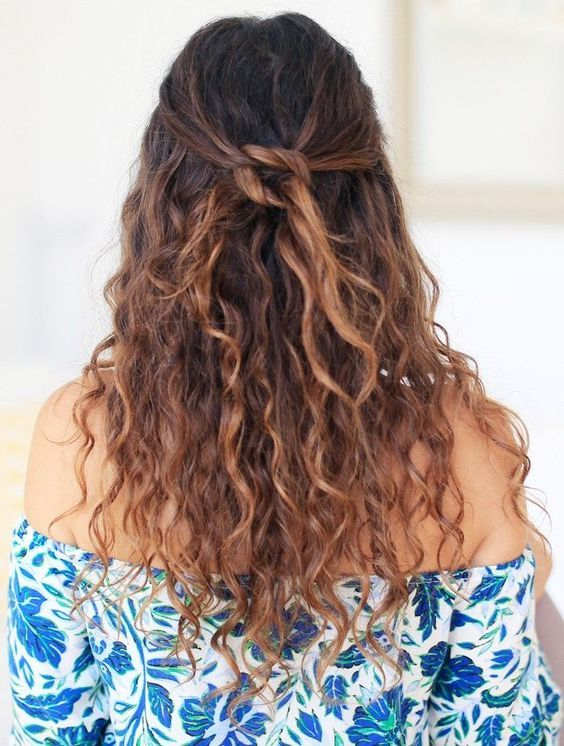 A Simple Half Updo With A Knot And Curls Down Can Be Diyed In A Couple Of Minutes And Looks U Curly Hair Styles Naturally Curly Hair Styles Natural Hair Styles