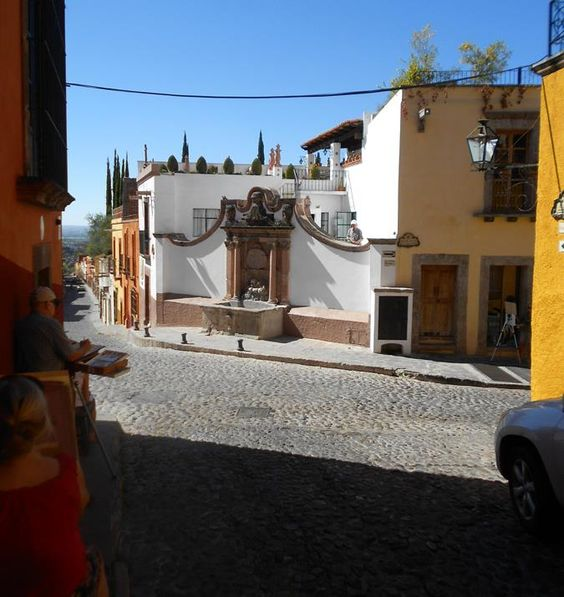 Walking Tours of San Miguel de Allende – A 30 page book of the History, and Step-by-Step instructions for touring this 460 year old Spanish Colonial city, a National Monument. The booklet has a fou...