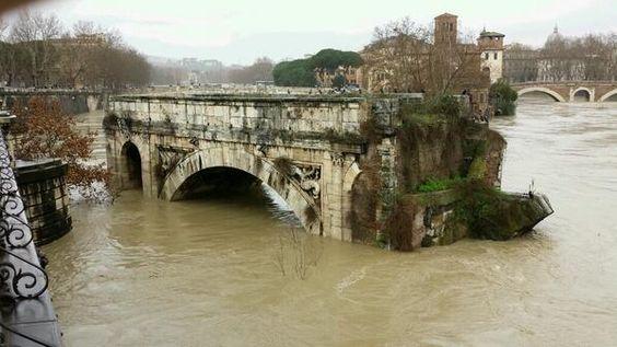Meteo Roma: Tevere in piena a rischio esondazione