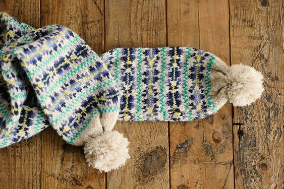 編みもの作家・三國万里子さんのお店、「Miknits」です。2015年は「ニットも置いてあるおしゃれなお店」をイメージ。編みもののキットに加え、編みものをしない人もたのしめるアイテムを販売します。