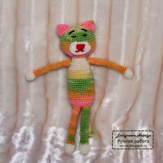 Мастер класс. Вязание крючком. Своими руками связаный крючком котик. Игрушка Аминеко