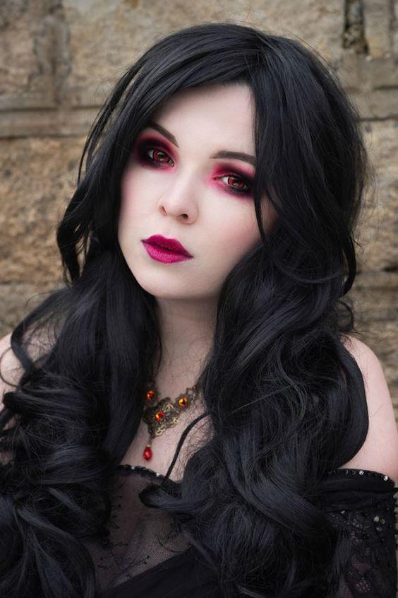 Model: La FaeSanPhotographer: photography by leenaNecklace: AppleBite jewelryLenses: Pinky ParadiseWelcome to Gothic and Amazing | www.gothicandamazing.org