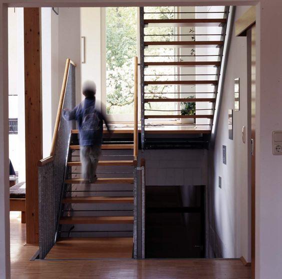 sch ne treppe innentreppe holz stahl fertigtreppe haus treppe gel nder pinterest. Black Bedroom Furniture Sets. Home Design Ideas