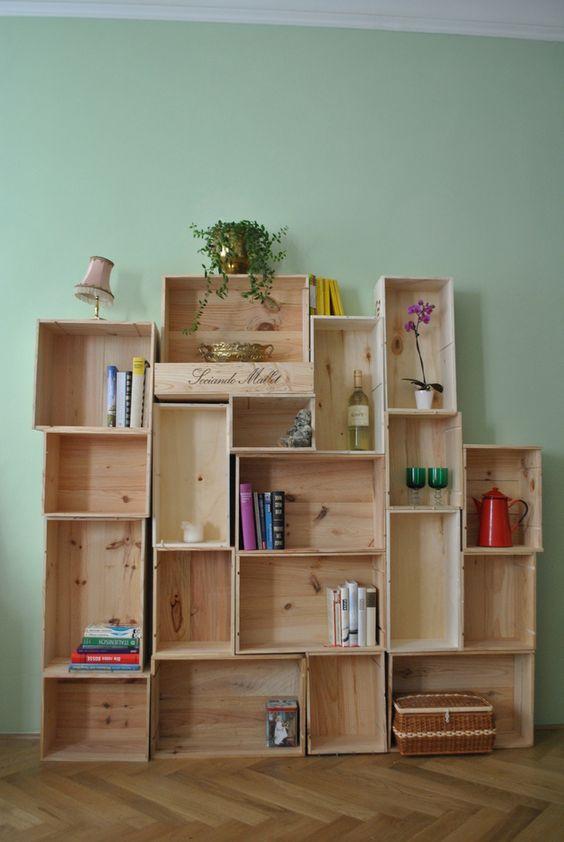 wandregale einfach anders wohnen wohnwand aus weinkisten ein designerst ck von fraeulein. Black Bedroom Furniture Sets. Home Design Ideas