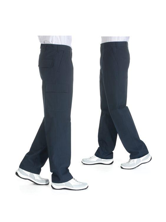 Zeige Details für Canvas Hose:      Fit Form     Reisverschluss im Schlitz rechts und links aufgesetzte Taschen     Gesäßtasche mit Patte     Rechts Seitentasche mit Patte  Stoff: Gabardine (100% Baumwolle)