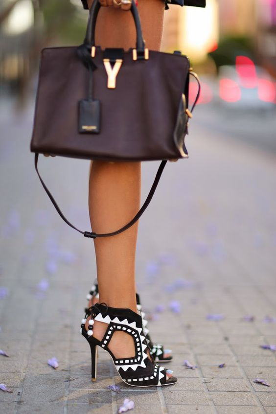 VivaLuxury - Fashion Blog by Annabelle Fleur: IN THE NAVY :: SOPHIA WEBSTER RIKO SANDALS & SAINT LAURENT MEDIUM CABAS BAG
