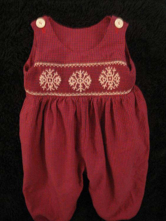 Snowflake Jumpsuit. 60  Smocking plate for snowflakes?
