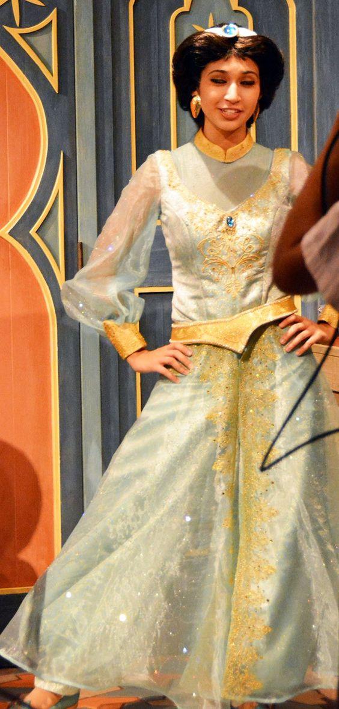 Disney World News | Jasmine's new costume at Walt Disney World | What do you think - yea or nay?