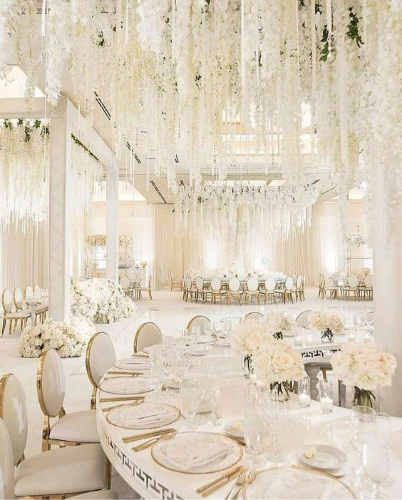 احدث وارقى ديكورات صالات الاعراس تصاميم خيالية فخمة The Most Luxurious Wedding Decorati Wedding Room Decorations White Wedding Decorations Luxury Wedding Decor