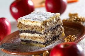 Prekmurska Gibanica: Cakes Cookies, Recipes Cake, Appetizers Desserts, Slovenian Dishes, Slovenian Recipes, Cake Recipes, Sweet Recipes Dessert, Cake Slovenia
