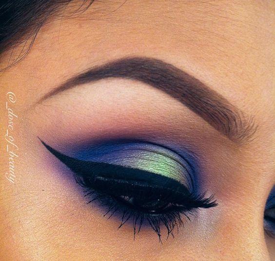 peacock eyeliner: