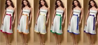 Mismo vestido, cinta de colores