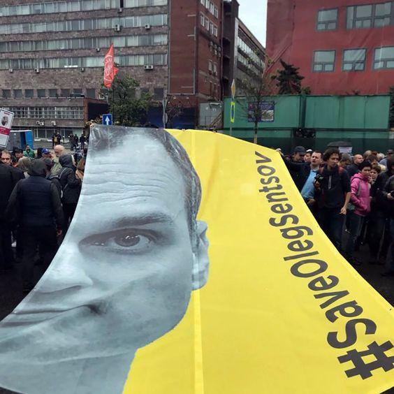 сенцов олег митинг: 11 тыс изображений найдено в Яндекс.Картинках