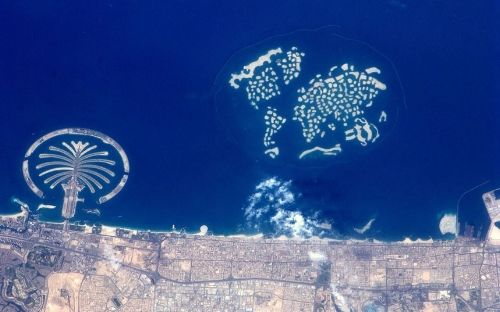 The Palm and The World islands in Dubai captured on 22 March 2012Picture: Andre Kuipers / ESA/NASA / Rex Features    http://niceartlife.com/?p=5330: