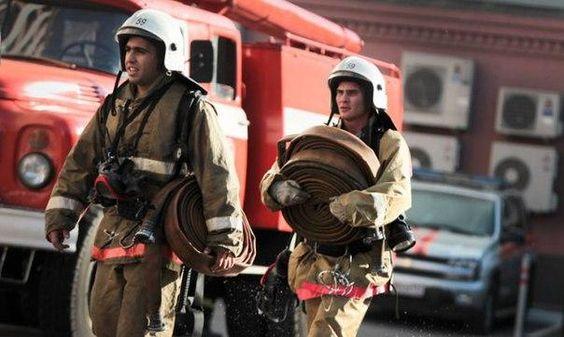 Сидят два пожарных, у одного чистое лицо, а у другого грязное. Какой первый умоется? И почему? #астаназагадка