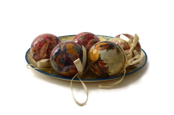 Vintage Decoupage Christmas Ornaments Set of 5 by ASECONDHANDSHOP