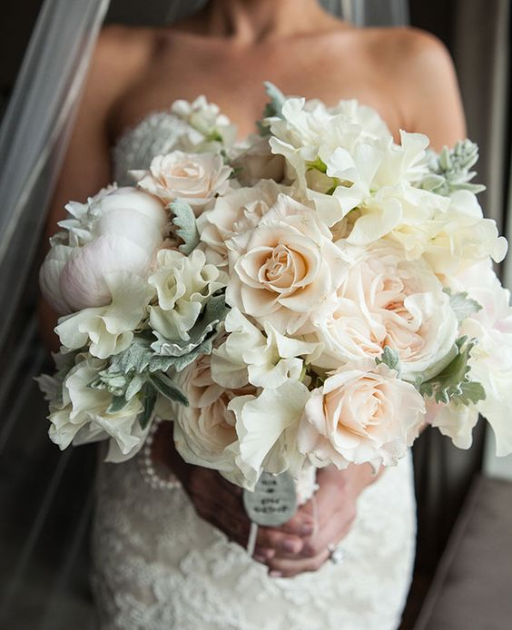 Bridal Bouquet In Mumbai : Dusty miller leaves are the perfect textured accent for