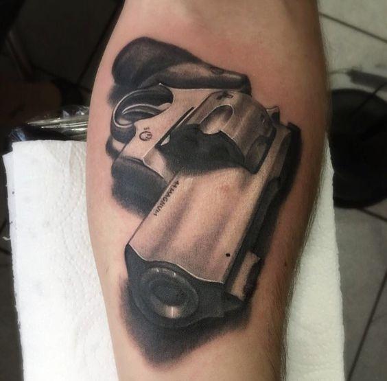 Tattoo Arm | Realismo | Arma  Tatuador Droman Marcos orçamentos via whatsap +55 41 9995-6010 -Curitiba -Brasil. Instagram @droman13tattoo