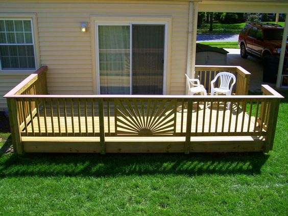 The sun like detail on this deck really captures your focus.
