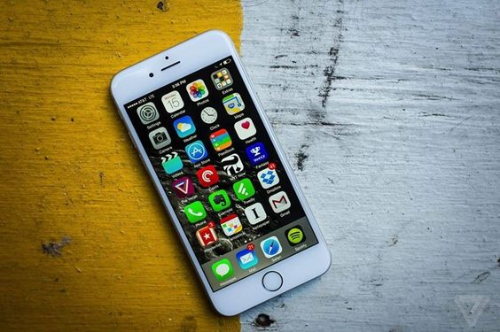 Mossberg: I just deleted half my iPhone apps  you should too -> http://www.theverge.com/2016/7/20/12231176/walt-mossberg-delete-your-unnecessary-apps FOLLOW ON FACEBOOK! https://www.facebook.com/TechNewsTrends/