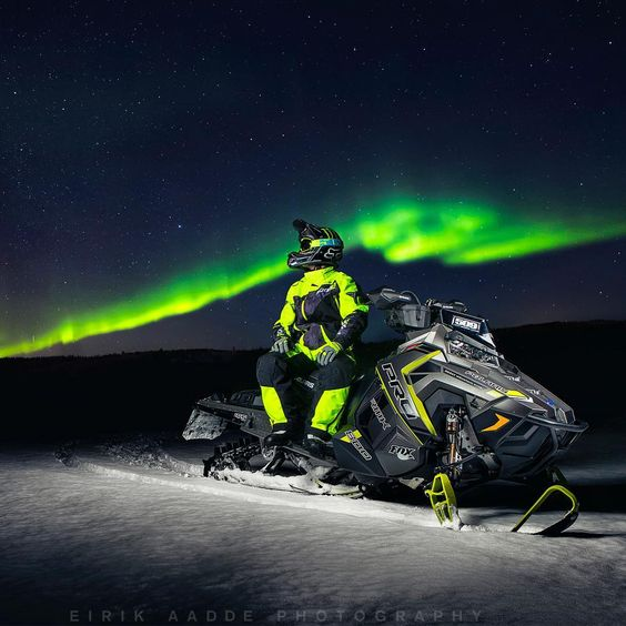Aurora borealis hunting in style. Polaris Axys pro rmk 800   Northern Norway, Bardufoss.  By Aadde Automotive photography  #NorthernLights #snowmobile