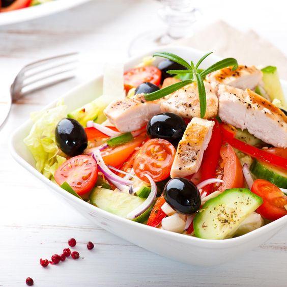 """Questa insalata è in """"buona"""" compagnia!    #LeIdeediAIA #AIA #Pollo #Insalata #pomodori #fagiolini #secondi #secondo #salad"""