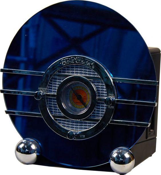 Crosley CR37 Blue Bird Art Deco Style Table Radio : Lot 1251