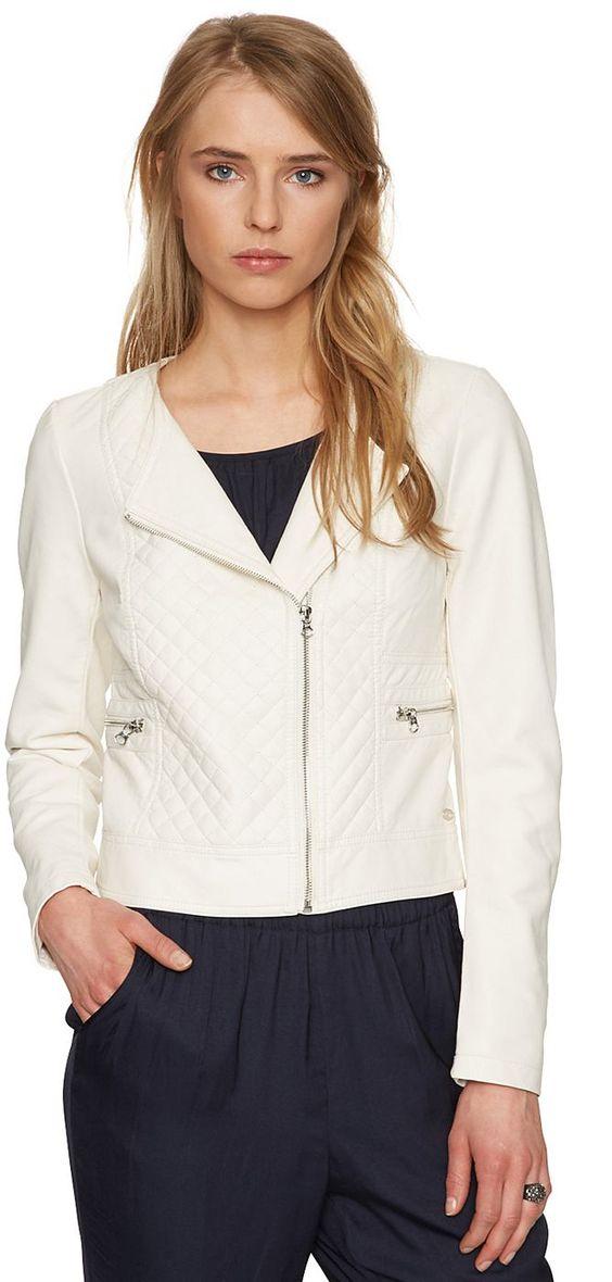 kurze Biker-Jacke in Leder-Optik für Frauen (unifarben, langärmlig mit Rundhals-Ausschnitt, Revers und Zipper) aus hochwertigem Lederimitat, mit rautenförmiger Absteppung, kleines Metall-Badge vorne. Material: 100 % Viskose...