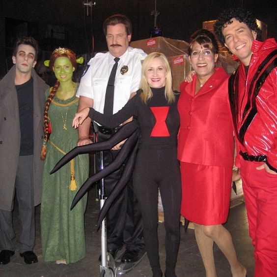 Halloween episodes were always so much fun! Here are a few of my favorite photos I took through out the years during Halloween... 1 of 3  #TheOffice - @angelakinsey