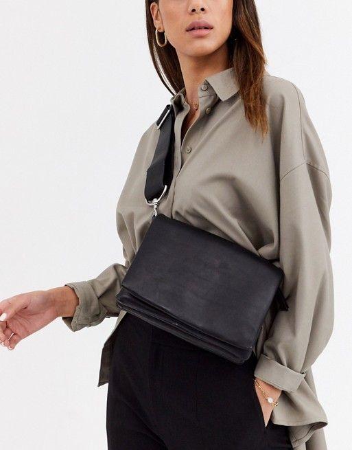 Черная кожаная сумка через плечо с несколькими отделениями & Other Stories | ASOS