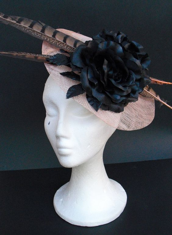 Pink fascinator headpiece hat / Black and pink by TocameMika, $145.00