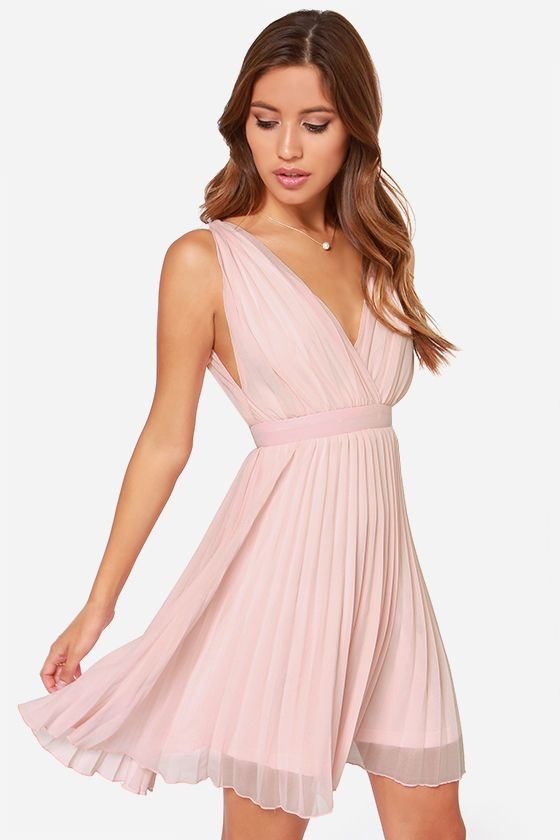 Beautiful flowy pink pleated dress.  A Romantic Affair ...