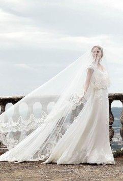 "Alberta Ferretti ""Bridal Forever.  More: http://feszyn.com/suknie-slubne-alberta-ferretti-2016/  #pannamłoda #sukniaślubna #wedding #bride #ślub #wesele"