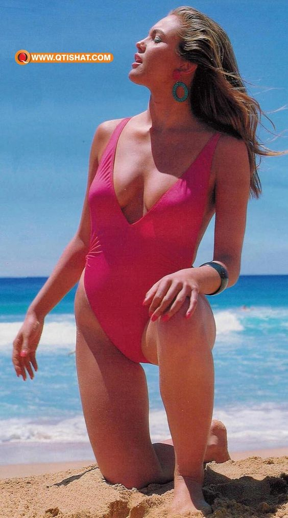 Motion picture actress diane lane wearing a bikini for Naked love images
