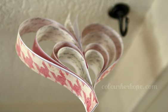 // paper heart garland. no sew.