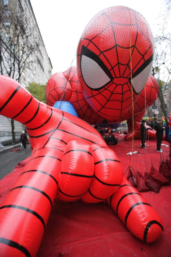 Macy's Thanksgiving parade Spiderman balloon!