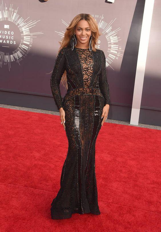 Beyoncé in abito lungo | FOTO