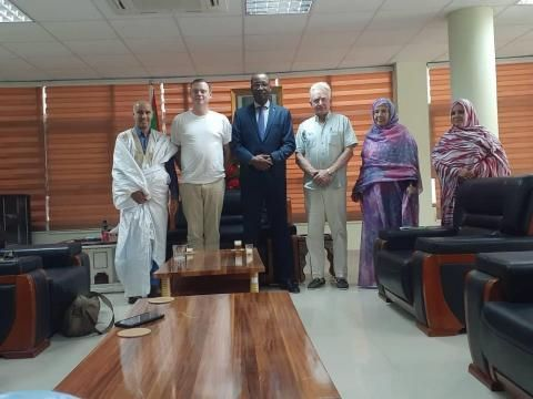 وزير السياحة يتعهد بالمساعدة في إنجاح فيلم 8220 السجين 760 8221 Lab Coat Fashion Coat