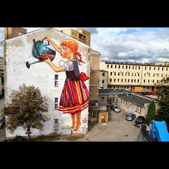 "Mural da artista polonesa e designer gráfico @NataliaRak  pintado no ""Folk On The #Street #Art "" festival em #Bialystok #Poland (via StreetArtNews) #cra #streetart #graffiti #artoftheday #Padgram"