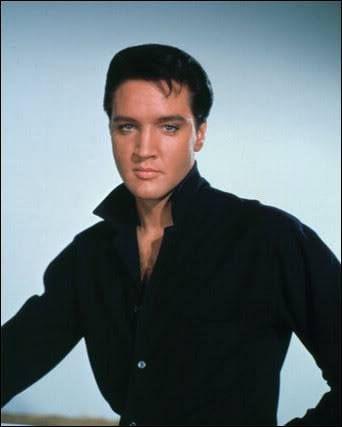 Elvis - dangerously handsome!