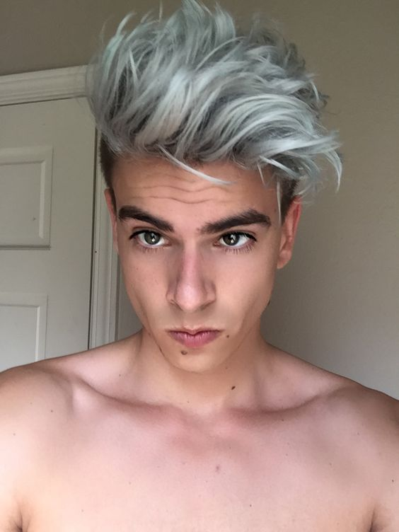 Merman Hair// had this hair since the beginning of last summer. Letting it grow out now. Going to try something different