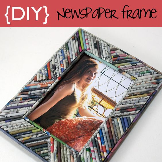 picture frame made from newspaper rolled into reeds