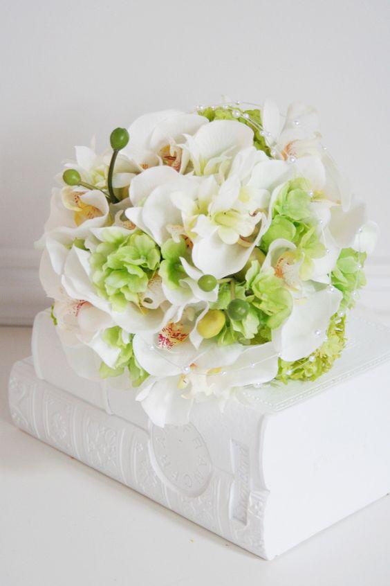 kukkaのウエディングフラワーABC-コチョウラン 白 和装 ブーケ