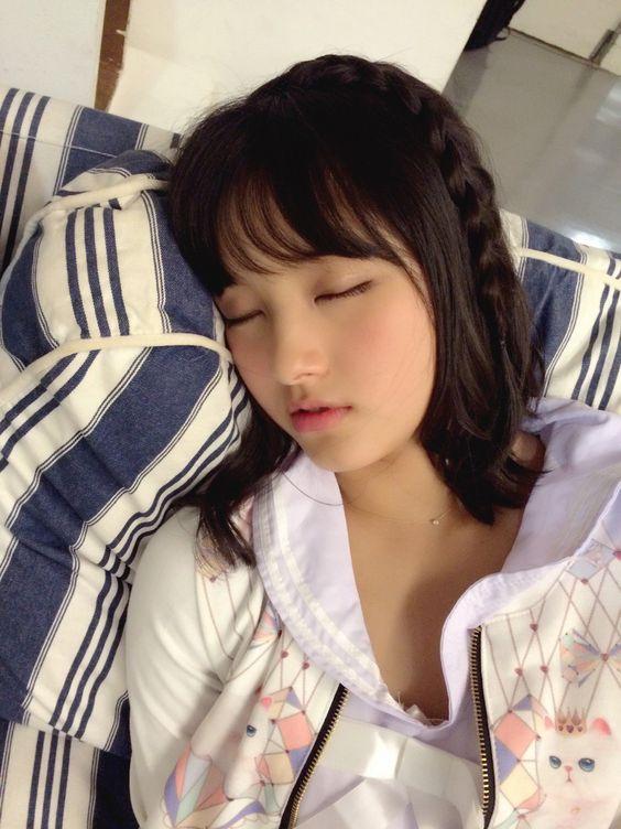 眠っている大和田南那