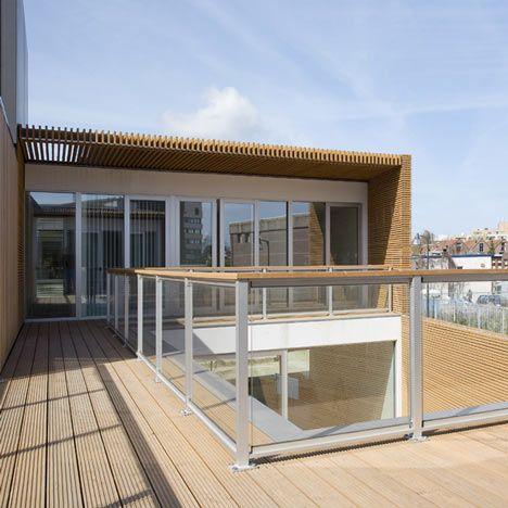 V12K0102 by Pasel Kuenzel Architects